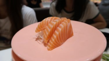 日本と同レベル!?在住者おすすめの安ウマ回転寿司Sushi Express